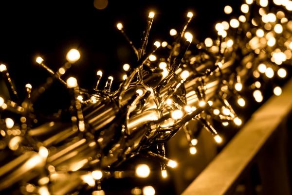 LED Büschellichterkette warmweiß von LED Universum - ca. 7m Länge, 480LEDs, 3m Zuleitung (Cluster-Li