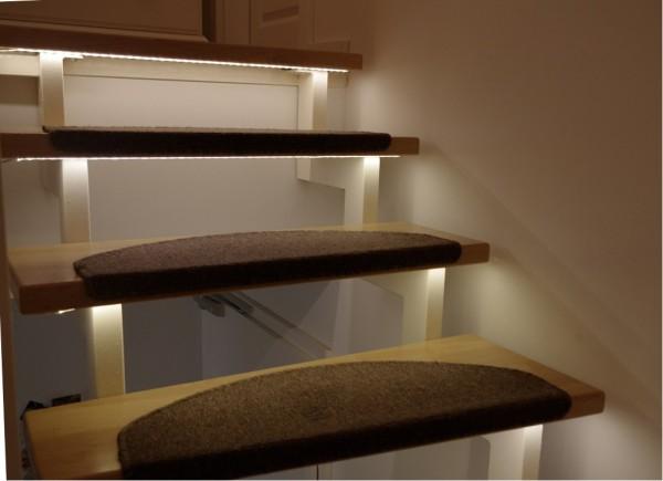 LED 12V Classic Treppenbeleuchtung mit Netzteil & Fernbedienung blau 1-15 Stufen