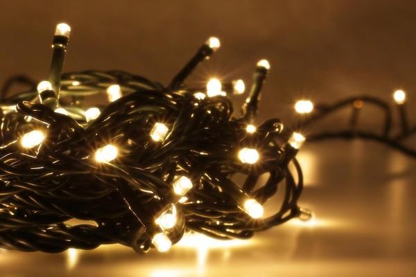 LED Universum | LED Lichterkette 300 LEDs | warmweiß | Außen | 24 Meter